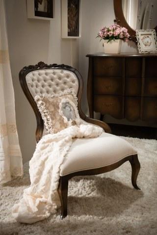 Cadeira Maria Antonieta c/ Tachas