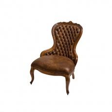 Cadeira Clássica com Tachas
